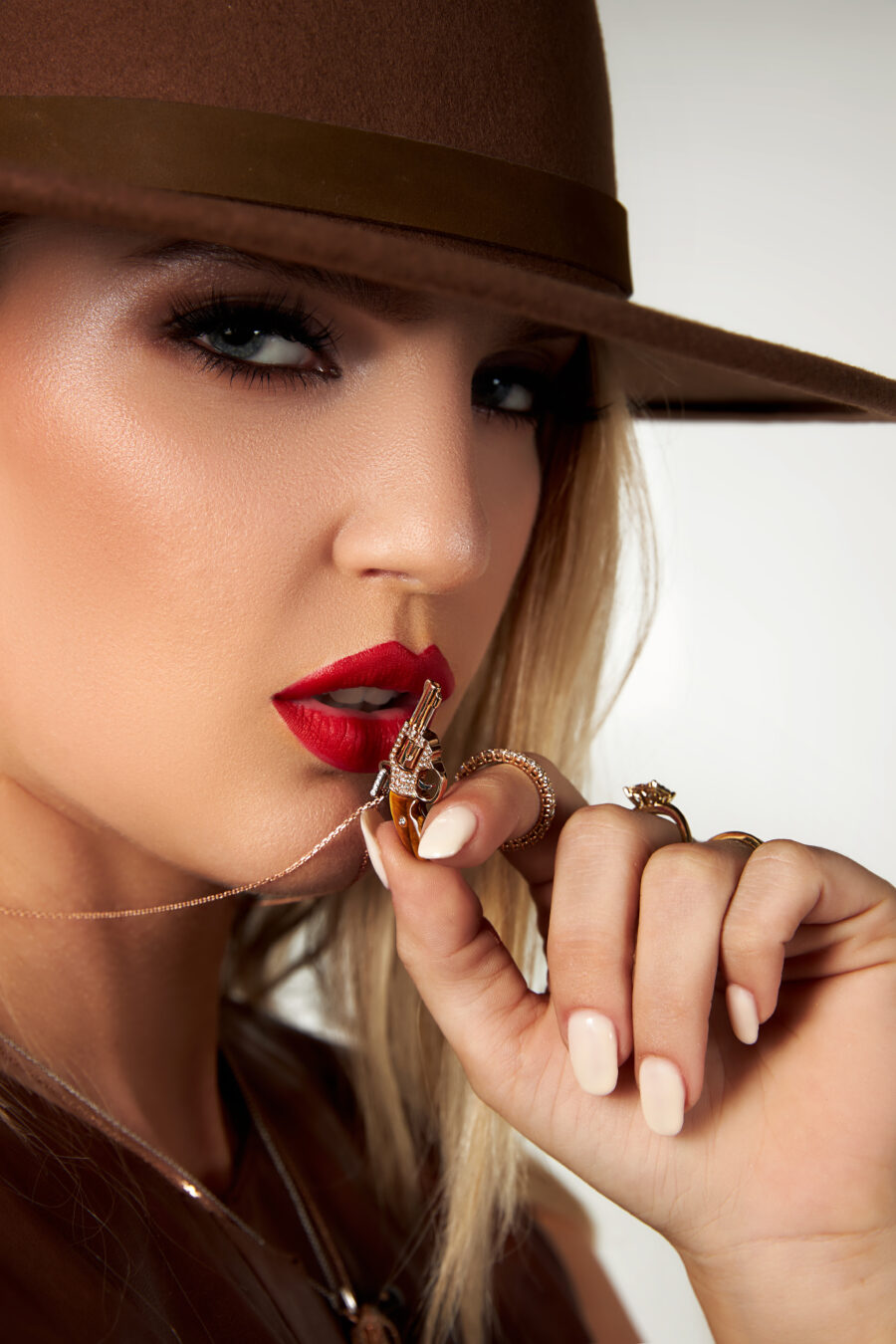 peacemaker gun revolver pendant necklace jewelry collection model photo 3